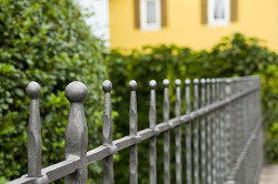metal-and-ornate-gate-installation-orange-county