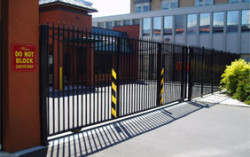 Commercial-Gates